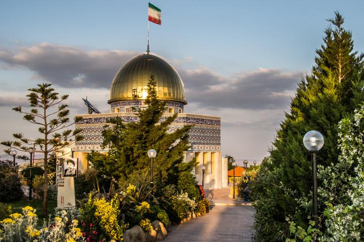 008 Moschea in stile iraniano (giardino iraniano, Marun al-Ras, Sud del Libano)