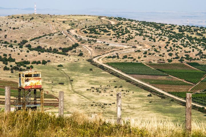 009 Vista del confine Libano-Palestina (giardino iraniano, Marun al-Ras, Sud del Libano)