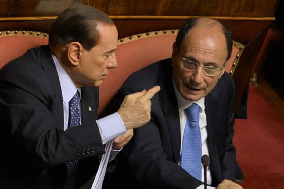 Le gaffes dei politici italiani indeboliscono la politica for Lista politici italiani