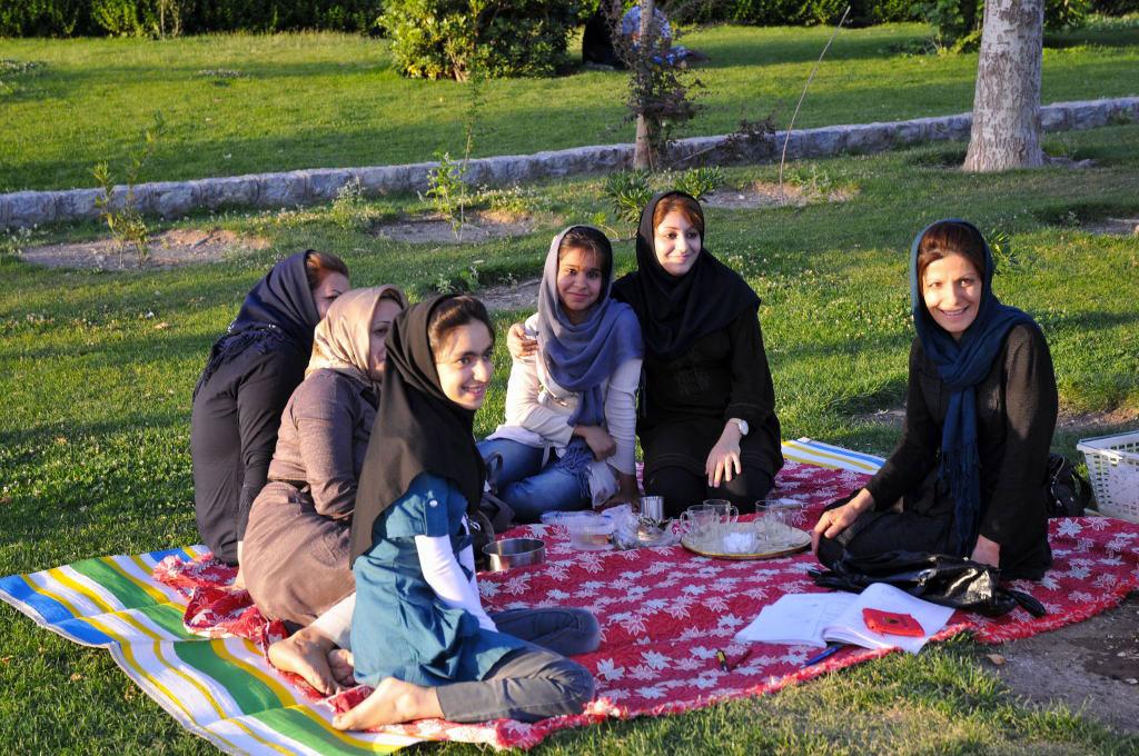 L Islam e la donna - Spondasud  9d3a2d69d4e