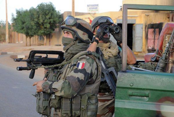 Tre soldati francesi sono morti in Libia